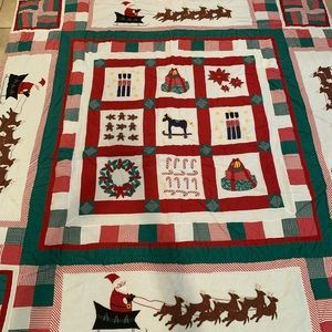 Holiday Christmas Full Size Quilt w/ Shams